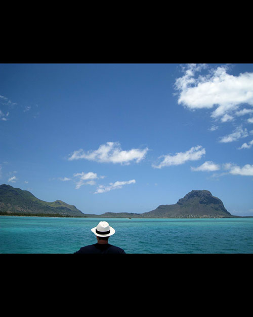 Man with hat, Mauritius, Ocean